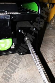 Металлорукав - шланг для отвода выхлопных газов.